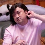 有看过这样的马东石吗?电影《启动》中「短发配粉红上衣」满满少女感