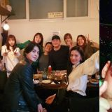 李棟旭&NANA&Sunny同框,40歲的他比女愛豆的皮膚還要白,頭還要小XD