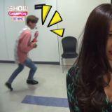 「後台放送事故」?! Wanna One成員意外入鏡,反應全都好可愛