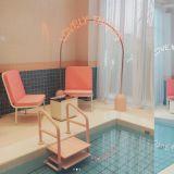女孩们可以去的景点又多一个啦!弘大「Stylenanda」粉红泳池咖啡厅开幕!