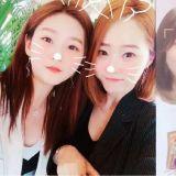 都是美人啊!金賽綸和媽媽合照引發熱議,網友表示:「這真的不是姐姐嗎?」