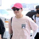 WINNER赴中國參加韓流商品博覽會 機場時尚簡潔風