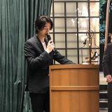 李栋旭为好友婚礼担任司仪!完全抢走新郎新娘的风头嘛XD