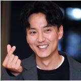 这组很可以!金南佶搭配韩志旼主持第23届釜山电影节开幕式