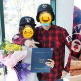 網友發現這兩位新晉大勢偶像N年前合照! 一人剛剛國小畢業好嬌小,另一人自動大哥哥既視感~