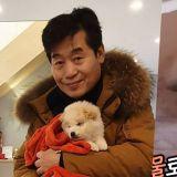 李延福廚師領養即將安樂死的狗狗:「被發現時渾身都是寄生蟲,眼睛都睜不開」