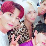 紅、綠、藍三家合體了!東方神起、SS501和Super Junior同框 粉絲好懷念