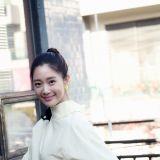 Clara复出深圳拍新剧《幸福夹心巧克力》 片场照微博疯传