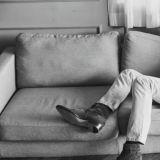 姜棟元的「高級二郎腿」!專屬大長腿的蹺法,整個螢幕都是腿啊XD