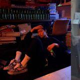 正在拍攝新劇的李宰旭於SNS分享近況照!《偶一天》金惠奫留言:「別喝酒了…對身體不好」