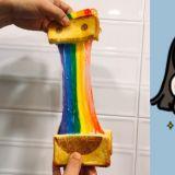 【釜山必吃】超美!釜山的彩虹吐司~芝士拉丝的效果真的非常赞啊♥♥
