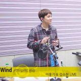 金秀贤与李洪基合唱〈Wind〉 这不当歌手太可惜了啊!
