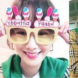 少时润娥赴法国拍真人秀!拿著粉丝给的「今天生日」扇子,露出开心的笑容!