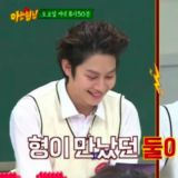 SJ聊天百无禁忌!银赫笑说「交往2女爱豆同时上节目」吓得希澈耳朵超红呢!