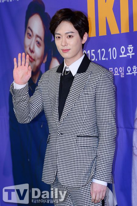 《1km他和我的距離》Boyfriend東炫演如同和尚般的角色