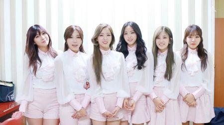 A pink《LUV》橫掃榜單 如約開演唱會