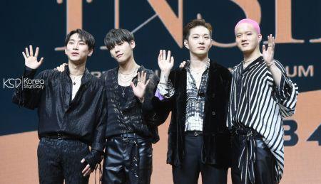 BTOB 4U迷你一輯《INSIDE》發佈會 李昌燮解釋新歌編舞「內有玄機」!