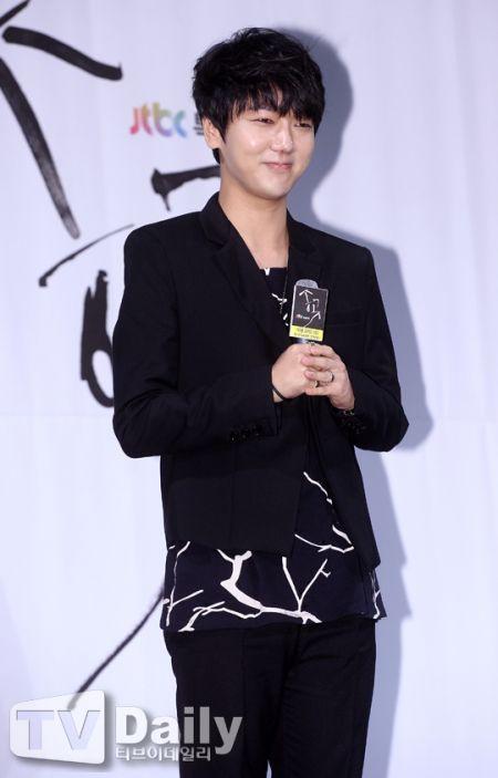 《錐子》發佈會:Super Junior藝聲贊池賢宇努力派