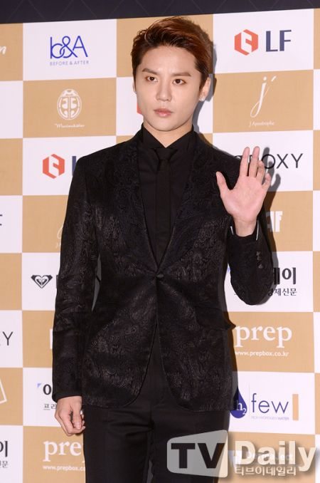 朴海鎮、JYJ金俊秀出席2015 Korean Lifestyle Awards領獎