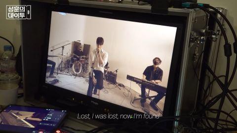 [完整花絮]「出生以来第一次唱Pop流行歌曲」成勋YT频道Cover演唱Maroon5「Lost」献粉丝!