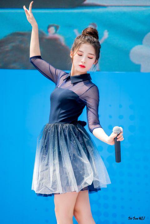OH MY GIRL Arin女大十八变,没有浏海完美进化成仙女! - KSD 韩星网 -116630-734243