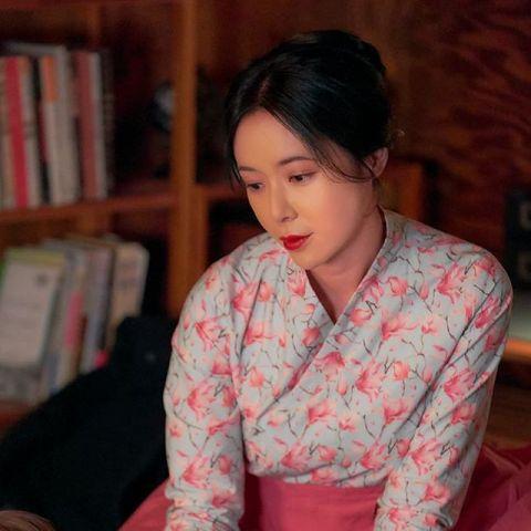 黄正音购置46.5亿韩元的梨泰院豪宅,在刘亚仁家正对面
