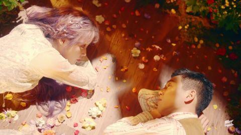 IU 的 MV 男主阵容根本就是年度颁奖典礼!金秀贤、李玹雨、张基龙、朴正民,还有大哥级人物~