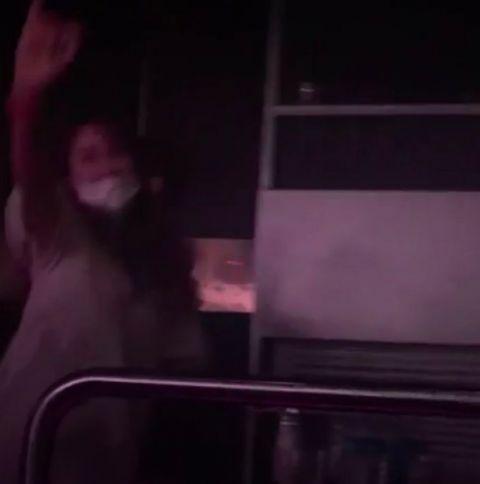 是我的歌!朴奎利戴口罩游夜店,听到Kara音乐兴奋跳舞