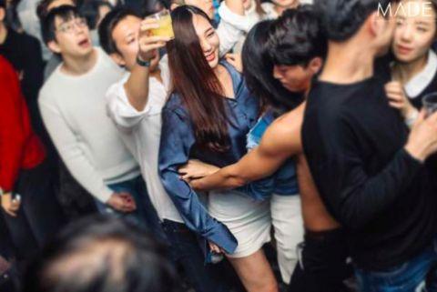 韩网曝「97Line」去的是这家夜店!网民:如果真去的话,爱豆生涯就此结束