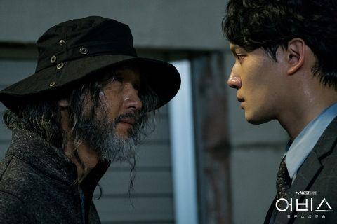 《深渊Abyss》目前播至第6集!连续杀人魔「吴英哲」太强大 不少观众表示:他才是主角吧 - KSD 韩星网 -116979-737887