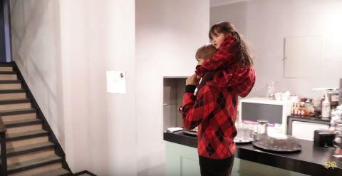 《超人回来了》预告:为了掳获娜恩&建厚的心…EXO灿烈&KAI分别扮成雪人和圣诞树 更带来舞蹈和吉他表演!韩饭网