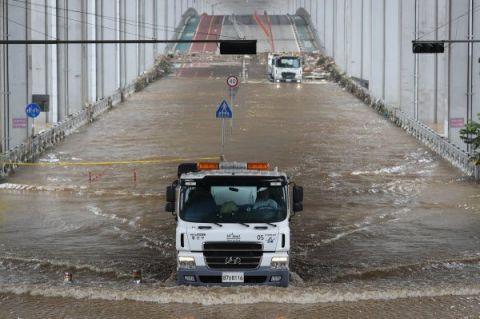 韩国今年迎来史上最长梅雨季:预计长达52天创下新纪录