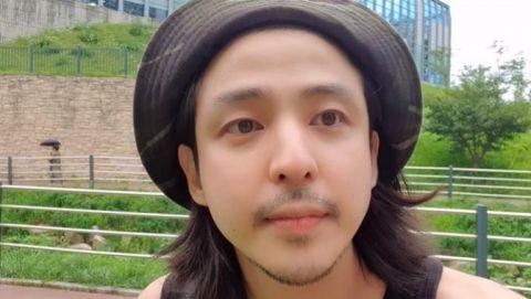 天啊~SJ前成员金起范终於现身了:希澈哥让我一定要开通YouTube频道,管理人也是他哦!