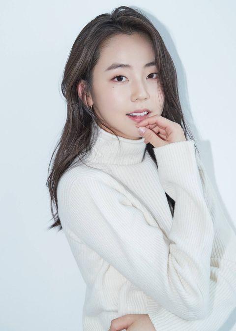 曾在微电影《Anu & Huyga》饰演情侣,延宇振&安昭熙新戏《三十,九》将变成兄妹