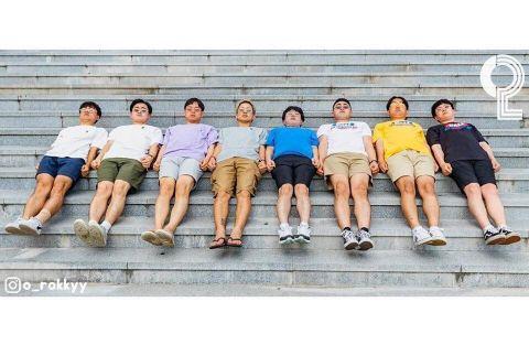 团体照人太多怎么拍? 8个大男孩教你拍出超有梗的出游照 - KSD 韩星网 -117649-745129