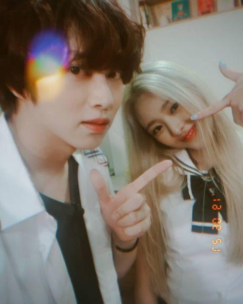 ITZY录制《认哥》,金希澈更新与成员合照:「果然像我心目中的公司JYP!我们爱你朴轸永!」 - KSD 韩星网 -118215-750921