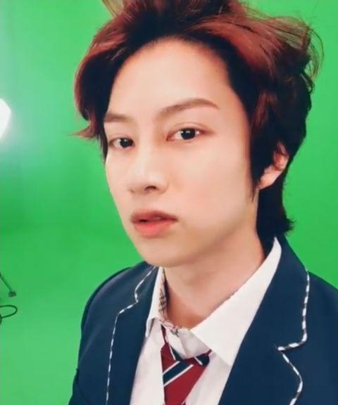 只要剪发就会引来「欢呼」的男偶像! SJ希澈着校服更新SNS 粉丝:「一早被帅醒了」 - KSD 韩星网 -116940-737522
