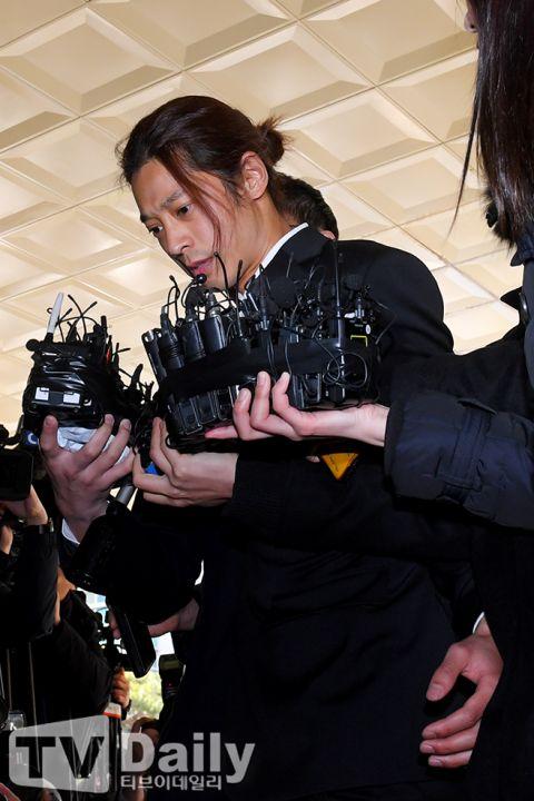 """偷拍淫片还呛声受害者""""不敢告!"""" ,郑俊英罪成恐判7年6个月牢狱   爆料记者透露完整对话内容更令人心寒"""