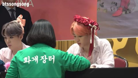 [有片]签名会上的BTS防弹少年团太可爱! V:我在等妳望向我! - KSD 韩星网 -116600-733923