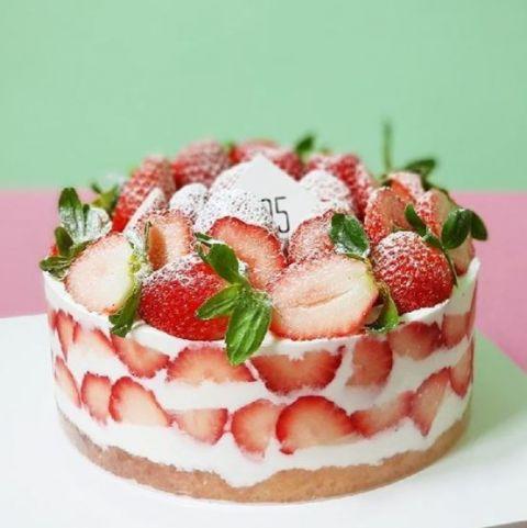 多看无滋味_【全罗南道】新鲜草莓马卡龙还有满满的草莓蛋糕就在这里 - KSD ...
