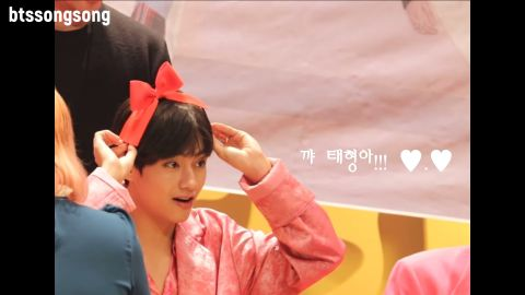 [有片]签名会上的BTS防弹少年团太可爱! V:我在等妳望向我! - KSD 韩星网 -116600-733912