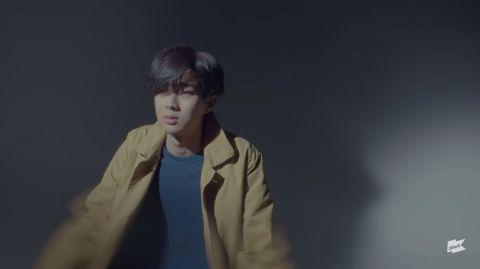IU的男人们!MV男主角阵容像极了颁奖盛典,最后一位让人震惊:大哥竟然出现在这里!