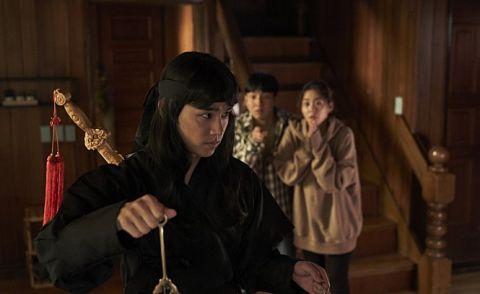 别人躲鬼她却求见鬼!KARA出身韩升延主演电影《Show me the ghost》9月在韩上映