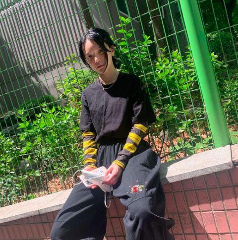 同楼住户曝AOA前队长申智珉近况:低头走路,看了让人很惋惜