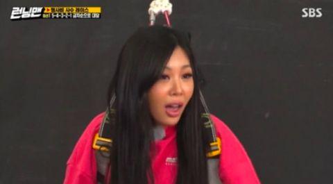 身材火辣性格耿直的Jessi再爆金句吓得刘在锡阻拦「你走吧」!每次照镜子时都会觉得...