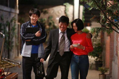 【有片】「信看演」成东镒曾因演技太差被编剧发便当!演小人物爆红后转型财阀二世令观众「感到背叛」