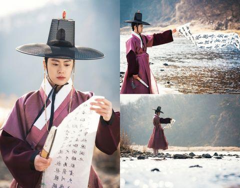 奇幻古装剧《红天机》孔明、郭时阳「古装蓄胡」与「现代时装」造型完全判若两人!