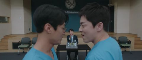 《机智医生生活2》第9集未公开片段:「律帝桌球大赛的真相」原来球是CG,演员们的演技太厉害!
