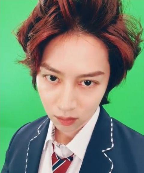 只要剪发就会引来「欢呼」的男偶像! SJ希澈着校服更新SNS 粉丝:「一早被帅醒了」 - KSD 韩星网 -116940-737524