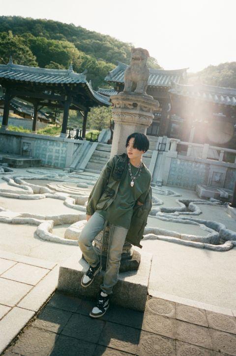Suga 闪电公开第二张个人 mixtape 横扫 80 国 iTunes 冠军!